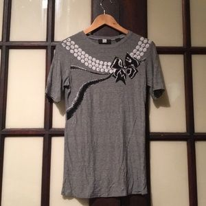 Saks Fifth Avenue T-shirt w/ bow and pearl detail